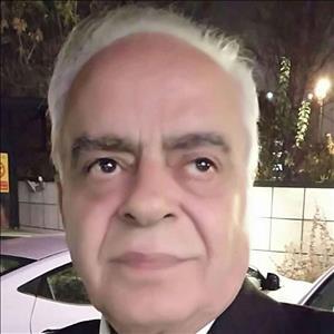 دکتر حسین مشتاق